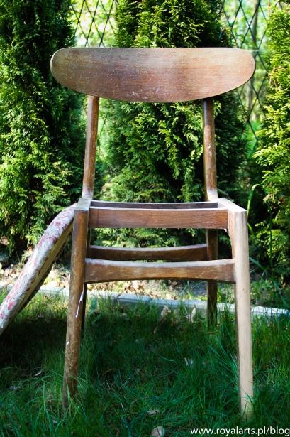 urządzanie wnętrz antykami, renowacja krzesła z PRL-u,Royal Arts,