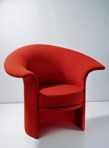 """Krzesło Tulipan, czerwone krzesło""""Tulipan"""" Kruszewska."""