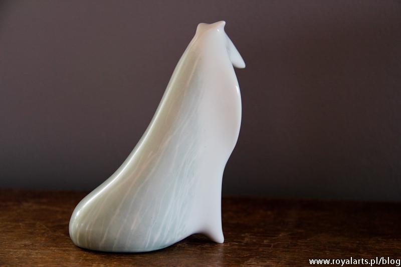 """Colie, Naruszewicz, Ćmielów, """"Pies Colli"""" M. Naruszewicz, figurki porcelan Ćmielów, urządzanie wnętrz, pomysł na urządzanie wnętrz, porcelana, Royal arts, firma urządzanie wnętrz."""
