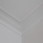Listwy przypodłogowe, listwy przysufitowe, Mardom listwy, Orac listwy, urządzanie wnętrz antyki, remont Warszawa, projektowanie mieszkań Warszawa, czarne grzejniki, rozety mardom